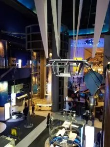 Tips to know before you go to the Chicago Museum of Science and Industry with kids, Find out what to see, things to do, where to eat, where to park, free days and more. Use these tips to have a fun family day. #familyvacation, #chicago, #scienceandindustry, #chicagomuseum, #traveltips