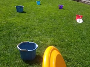 Outdoor Game for Kids - Frisbee Golf an easy DIY game kids will love outdoors. Perfect for parties too!