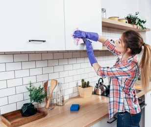 Clever Cleaning Hacks to use throughout your house. #cleaninghack #cleaningtips