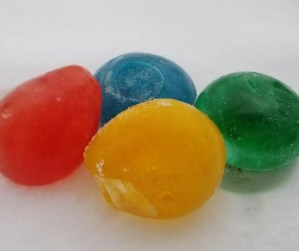 How make Ice balloons at home a fun science experiments for kids.