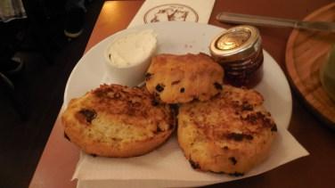 Londres - restaurant14 - Pâtisserie Valérie - scones and cream