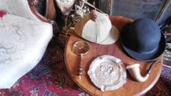 Sherlock Holmes museum_2_chapeaux