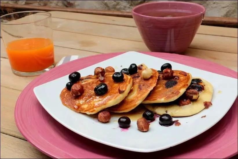 pancakes aux myrtilles et noisettes