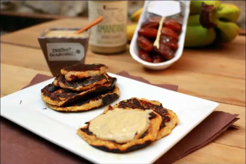 crêpes healthy de banane et crème d'amandes aux poires