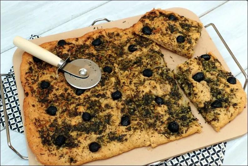 Focaccia-persillade-olives-Yotam-Ott.jpg