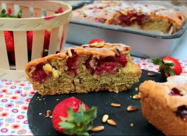 moelleux aux fraises et pignons torrefiés