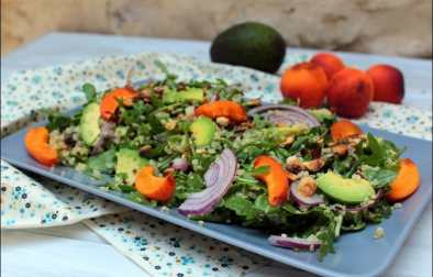 salade fruitée de quinoa et roquette