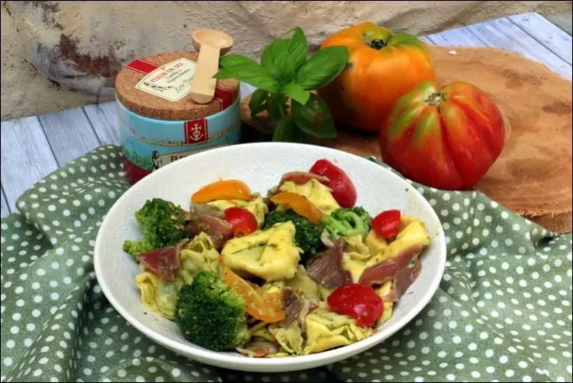 salade de tortellini au jambon et pesto