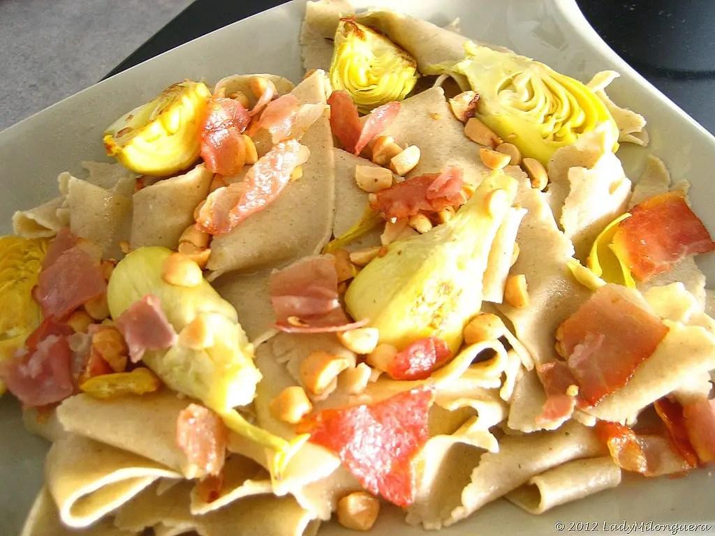 pappardelles aux coeurs d'artichaut pignons et jambon