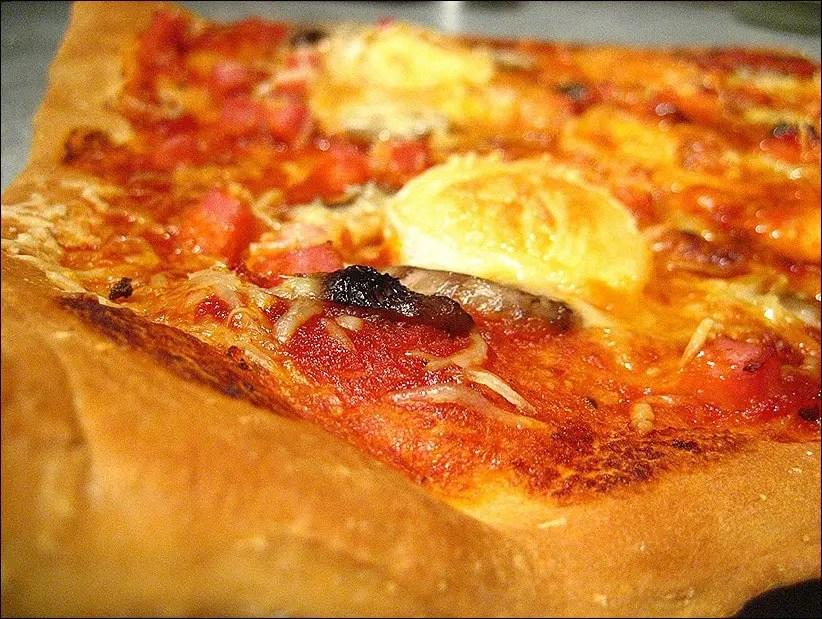 pizza chevre sauce tomate