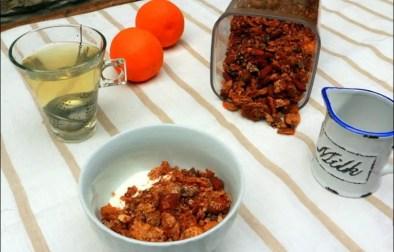 granola croquant aux amandes et pépites de chocolat