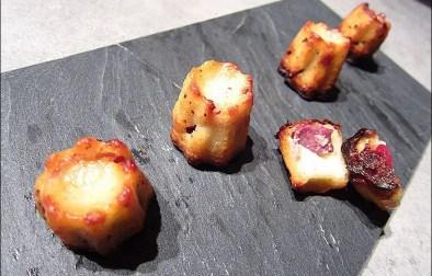 mini-cannelés au magret de canard fumé et roquefort