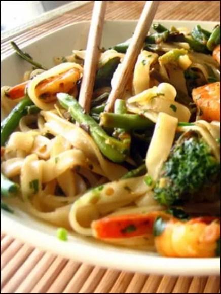 nouilles de riz crevettes legumes