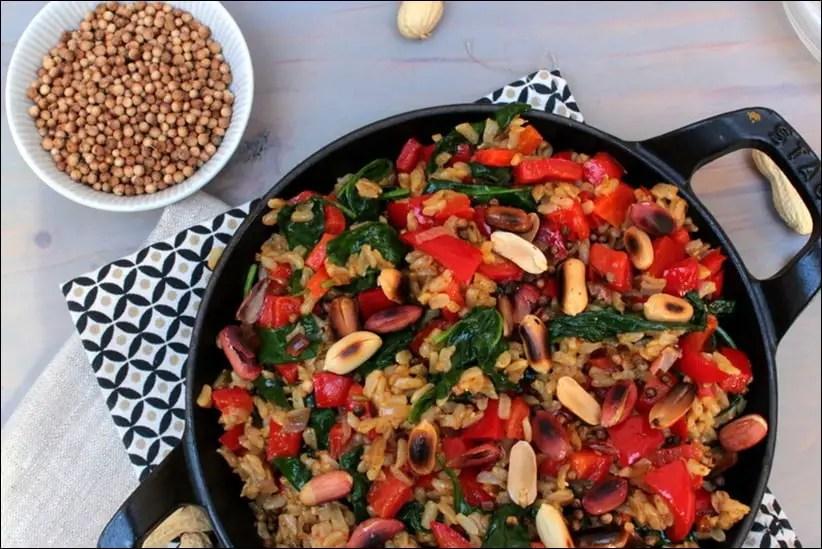 riz sauté aux poivrons épinards et cacahuètes