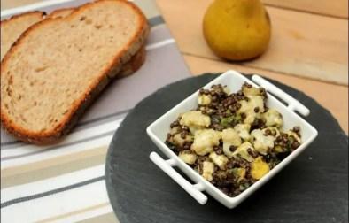 salade de lentilles beluga à l'avocat poire et feta