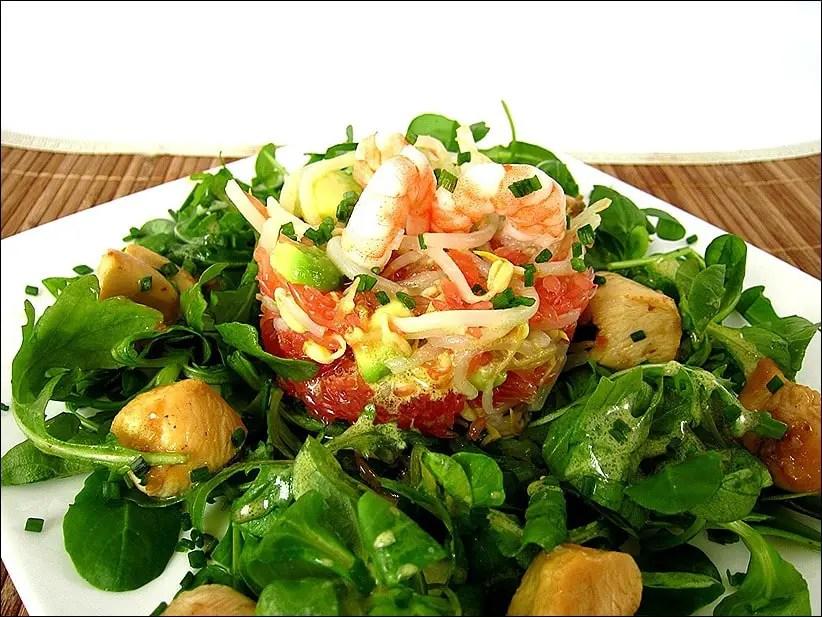 salade de poulet mariné et crevettes au pamplemousse de Cyril Lignac