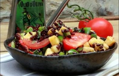 salade de riz noir à l'ananas