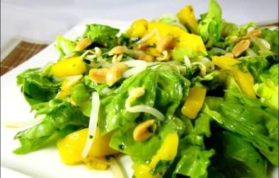 salade thaïe à la mangue coriandre et soja
