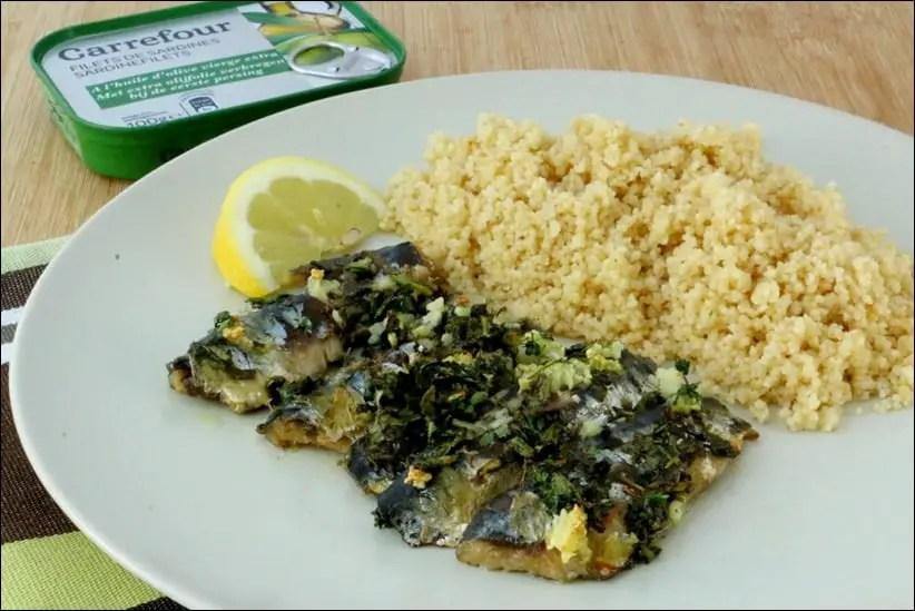 sardines grillées à la coriandre et à l'ail