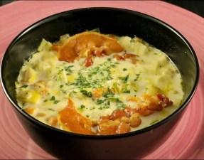 soupe de poireaux à la crème et au lard grillé