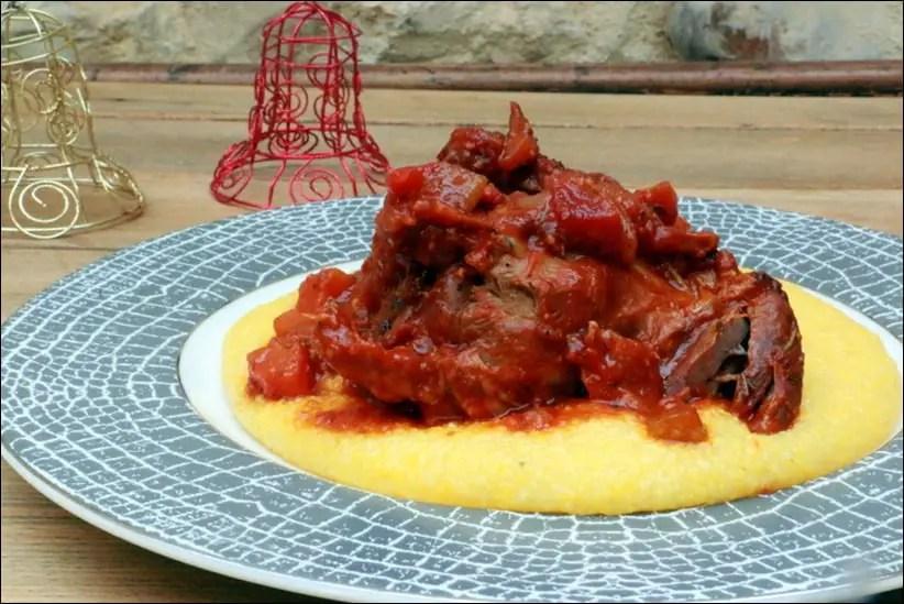 souris d'agneau sauce tomate et polenta