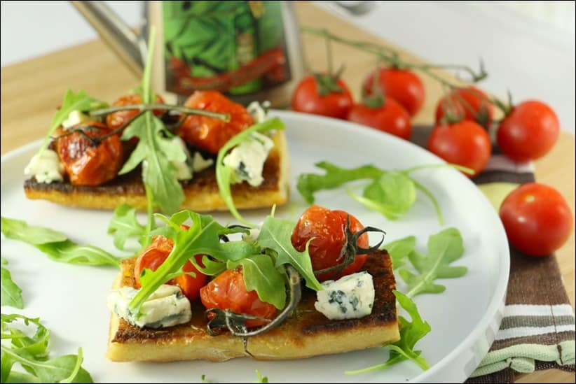 tartines au tomates cerises et bleu