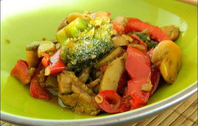 wok de porc au caramel et aux légumes