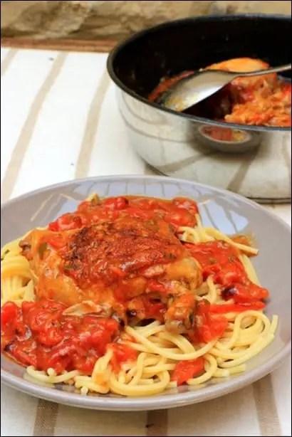 poulet sauce tomate champignons vin blanc