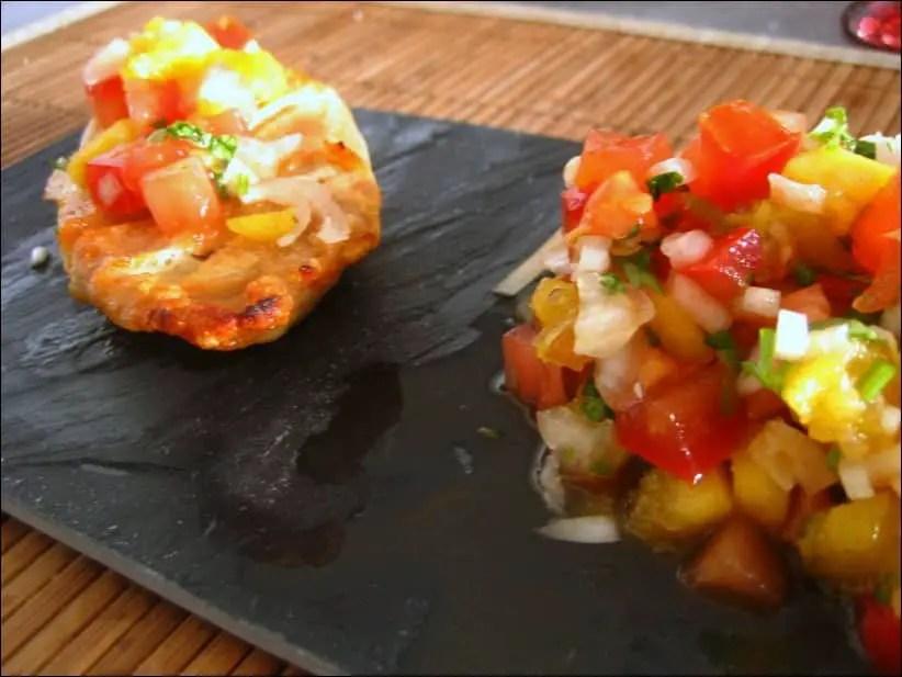 blancs de poulet grillés et leur salsa fruitée