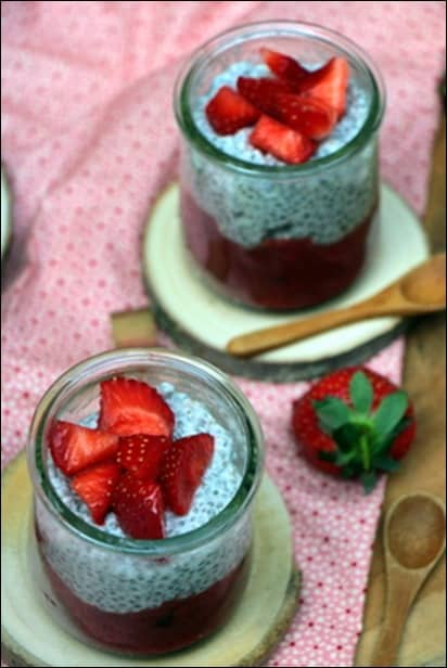 chia pudding compotée fraise rhubarbe vanille