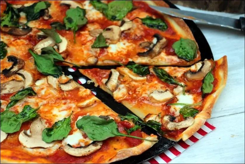 pizza champignon mozzarella