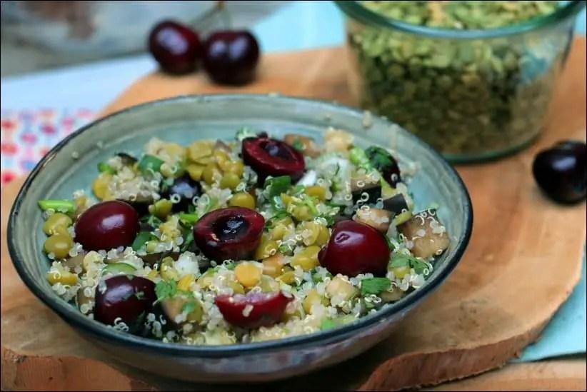 salade pois casses quinoa cerises végétarienne