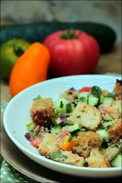 salade quinoa et pain grillé