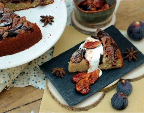 gâteau aux figues au yaourt et aux amandes de Yotam Ottolenghi