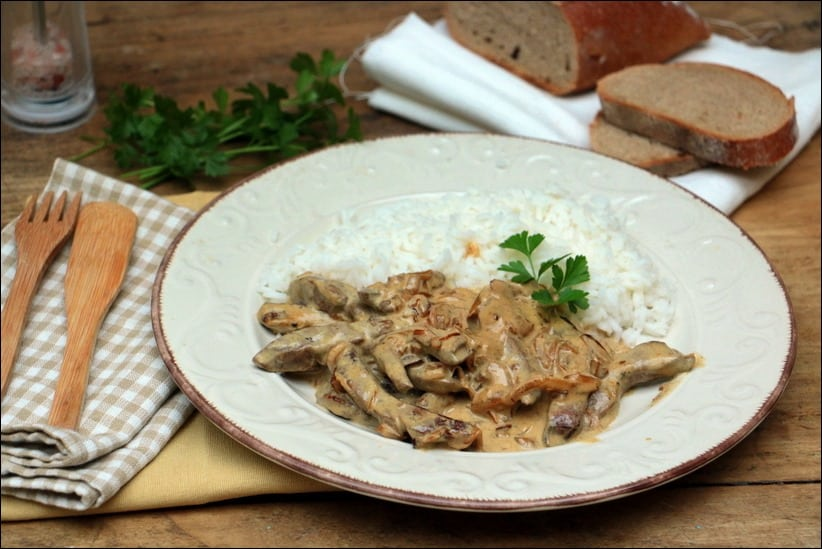 foie de veau sauce crémeuse à l'oignon