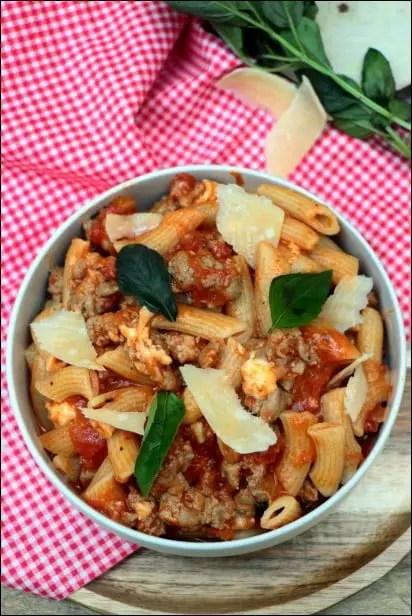 macaroni ragout tomate mozzarella