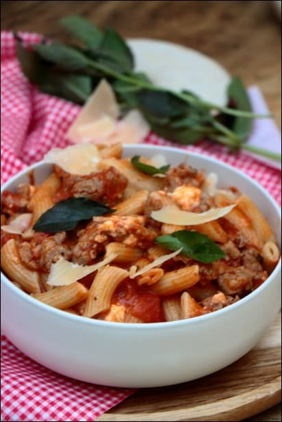 pâtes saucisses mozzarella