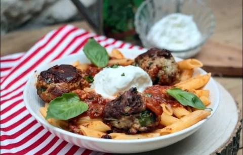 boulettes sauce tomate basilic penne burrata de Cyril Lignac