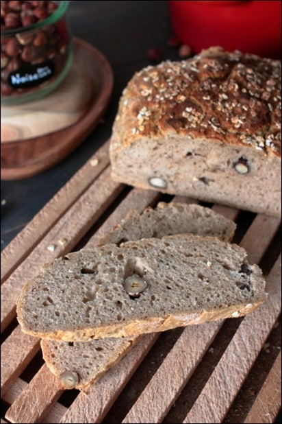 pain aux noisettes et flocons d'avoine