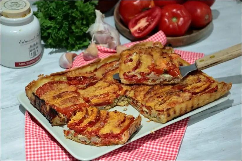 tarte à la tomate et à la chair à saucisse