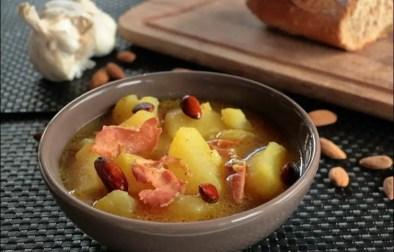 soupe espagnoles aux pommes de terre ail et amandes