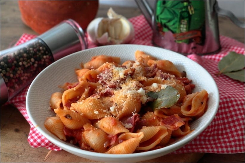 pates sauce tomate et pancetta