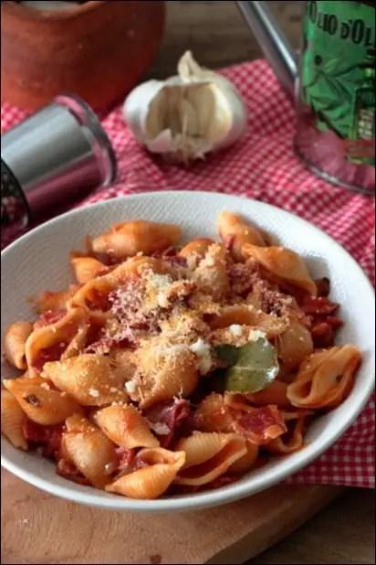 pates tomate origan parmesan