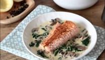 pavé de saumon et crème aux épinards et champignons