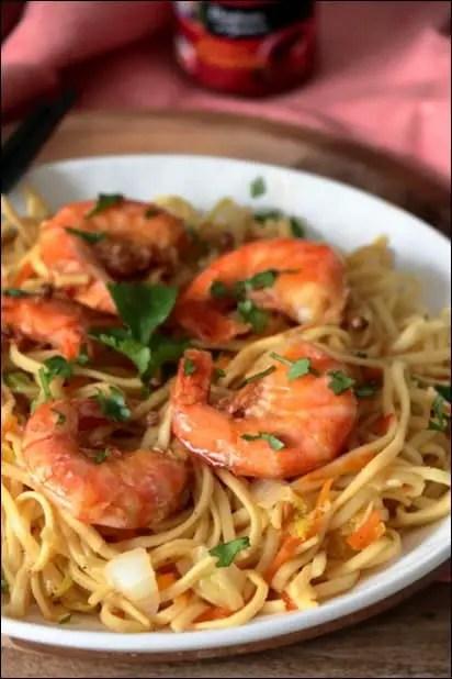 wok crevettes chou chinois nouilles