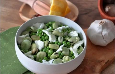salade de petits pois aux fèves et à la mozzarella