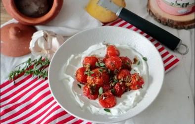chaud-froid de tomates cerises au yaourt citronné de Yotam Ottolenghi