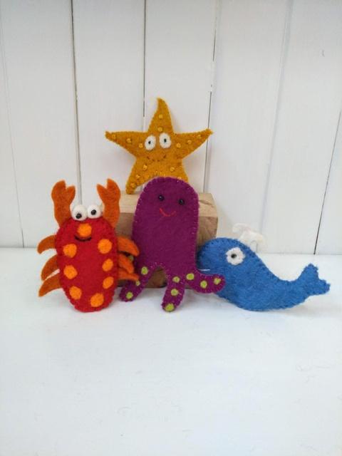sea side finger puppets