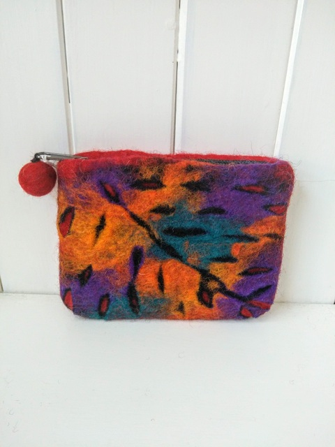felt leaf purse red multi
