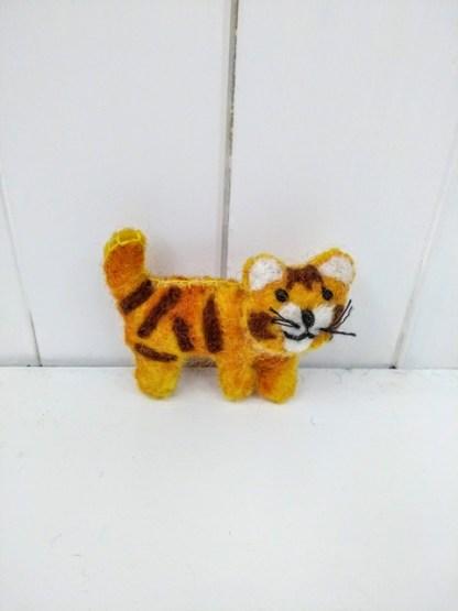tiger brooch front